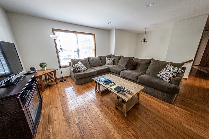 Northern illinois recovery facility living room