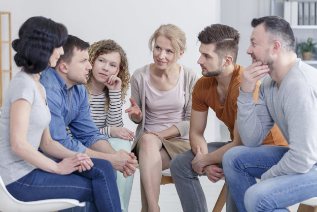 group of people at Illinois alcohol rehab