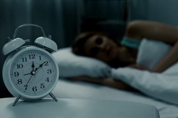 alarm clock showing good sleep routine